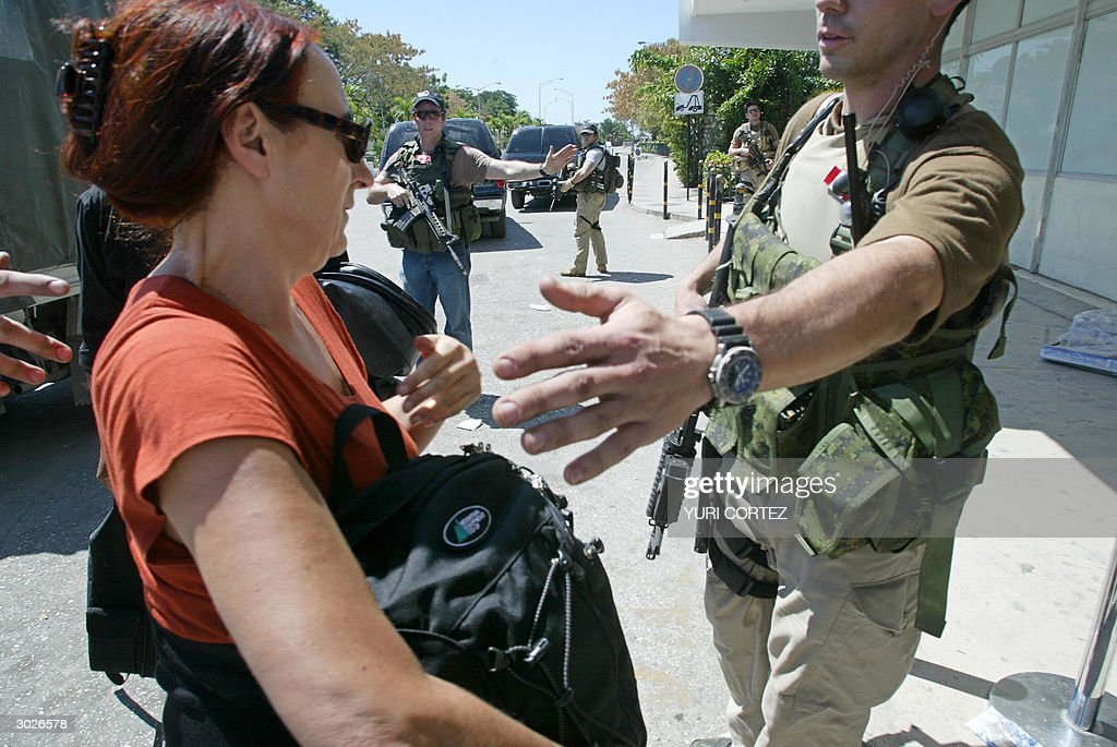 Canadian special forces help Canadian citizens at the