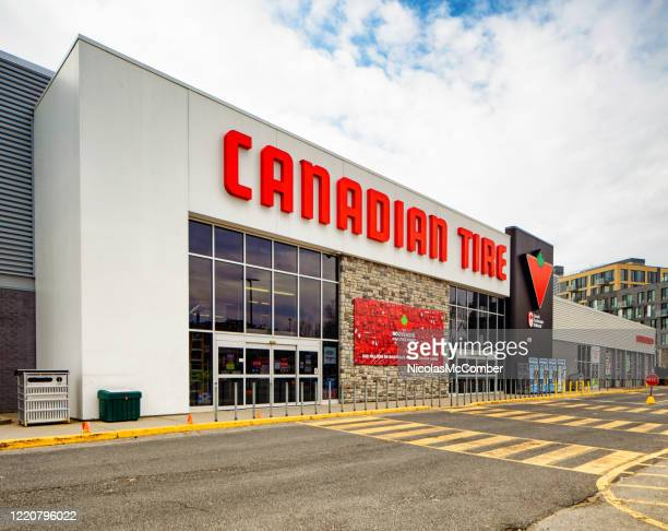 canadian tire store facade oblique view - canadian tire centre stock pictures, royalty-free photos & images