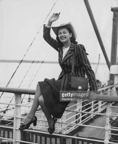 CanadianAmerican actress Yvonne De Carlo arrives at Southampton on the liner 'SS Mauretania' UK 18th August 1948