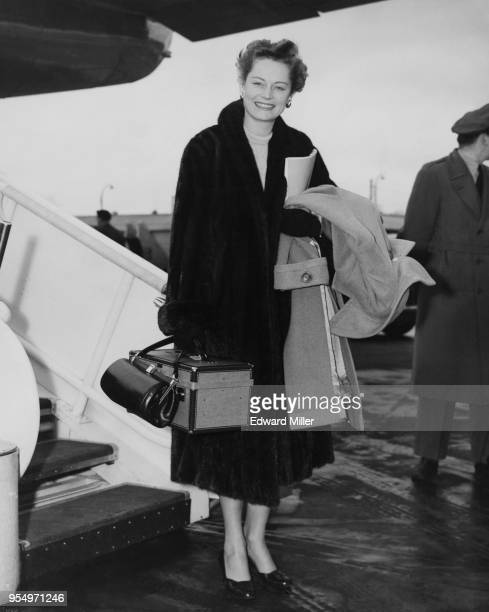 Canadianborn actress Alexis Smith arrives at London Airport 27th November 1953 She is in the UK to star in the film 'The Sleeping Tiger'