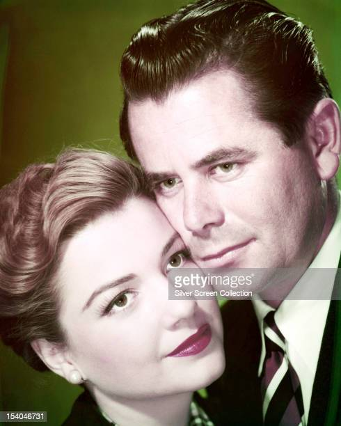 Canadianborn American actor Glenn Ford and American actress Anne Baxter in a publicity still for 'Follow The Sun' directed by Sidney Lanfield 1951