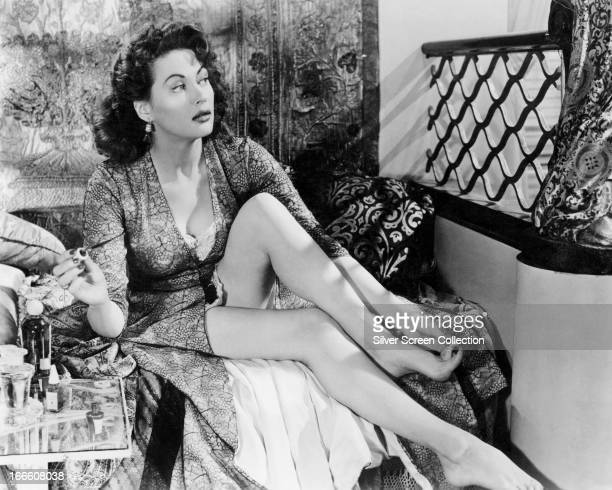 Canadianborn American actress Yvonne De Carlo painting her toenails circa 1950