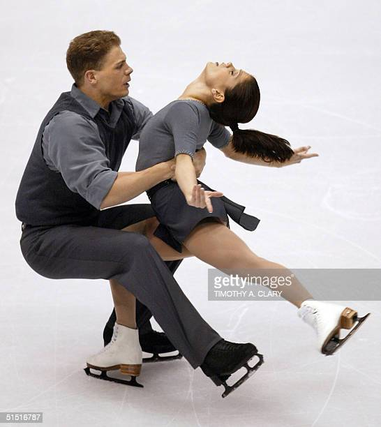 Canadians Jamie Sale and David Pelletier perform their pairs free program at the Olympic Ice Center 11 February 2002 during the XIXth Winter Olympics...