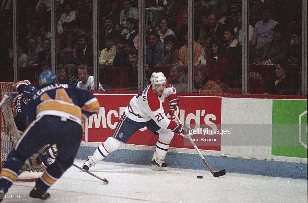 St. Louis Blues v Montreal Canadiens : News Photo