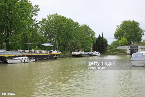 canal de midi, unesco world heritage site, béziers, herault, languedoc-roussillon, france - canal du midi photos et images de collection