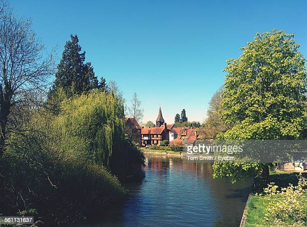 canal in town - berkshire england stock pictures, royalty-free photos & images