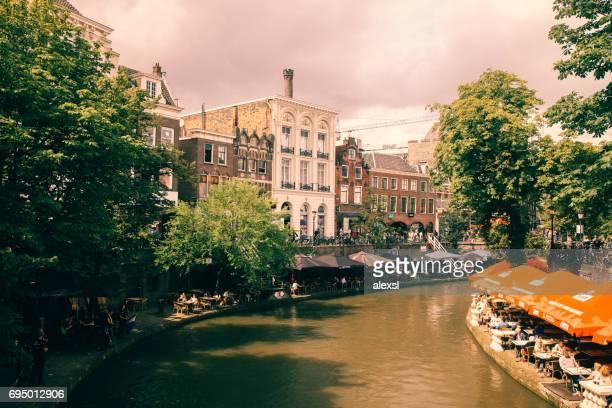 canal in utrecht city center, netherlands - utrecht foto e immagini stock
