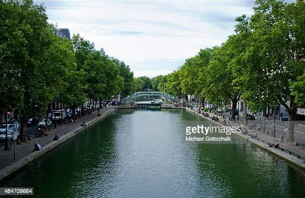 Canal Saint Martin on July 31 2015 in Paris Frankreich