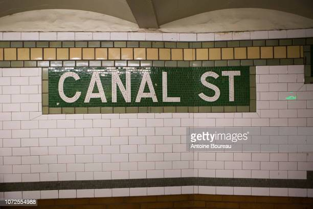 canal street subway station in manhattan new york, united states - canal street manhattan stock pictures, royalty-free photos & images