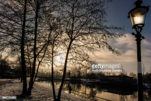 canale d'inverno - inverno stock pictures, royalty-free photos & images