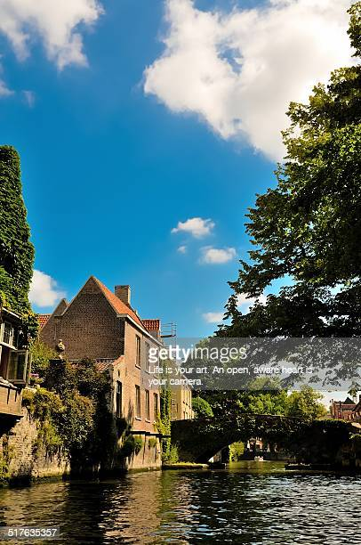 canals of bruges - 西フランダース ストックフォトと画像