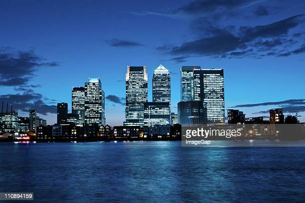 canary wharf financial district - canary wharf stock photos and pictures