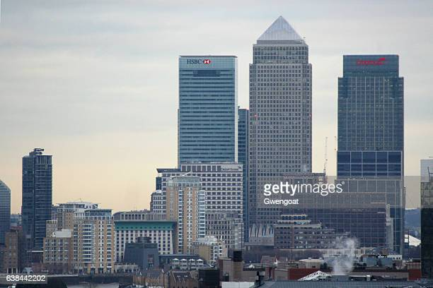canary wharf in london - canary wharf stock photos and pictures