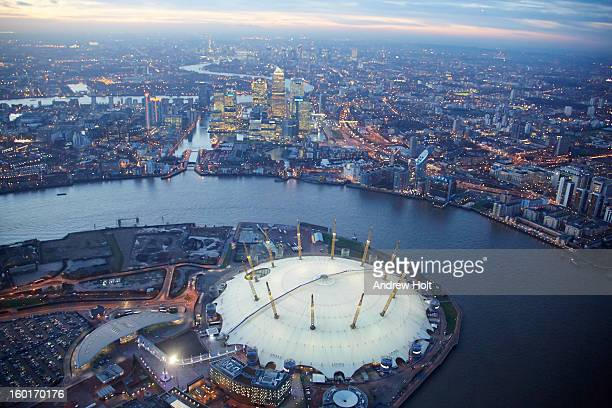 canary wharf, leamouth and river thames, london - the o2 england stock pictures, royalty-free photos & images