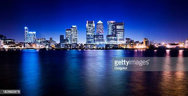 canary wharf london city skyline uk - canary wharf stock photos and pictures