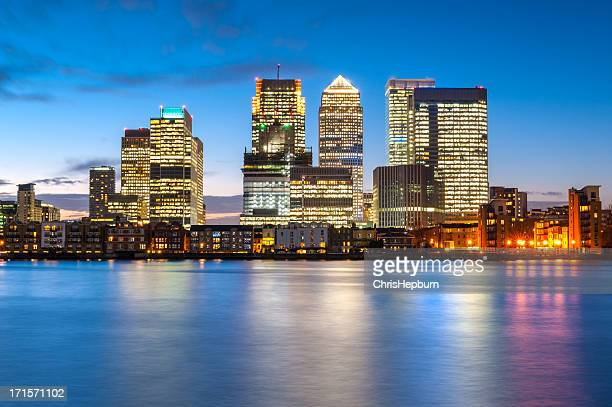 canary wharf, london, england - canary wharf stock photos and pictures