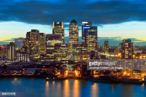 canary wharf - london - canary wharf stock photos and pictures