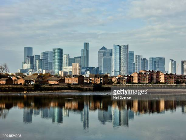 canary wharf - london docklands stock pictures, royalty-free photos & images