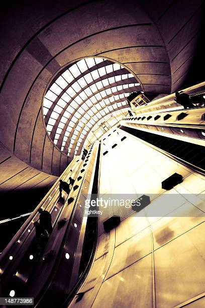 canary wharf underground station in london - greater london stock pictures, royalty-free photos & images