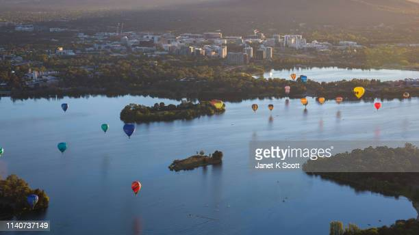 canberra balloon spectacular - janet scott stock pictures, royalty-free photos & images