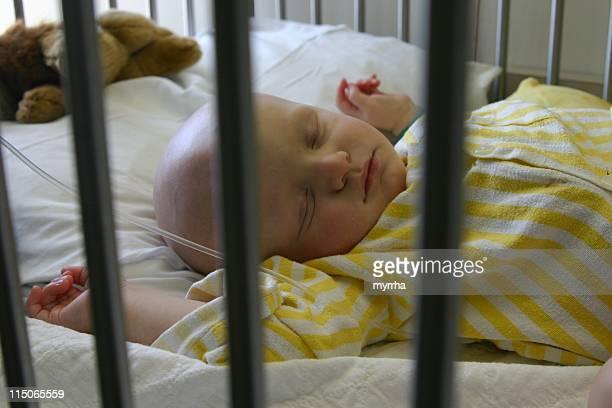 Cancer Niños; bebé dormir durante la quimioterapia