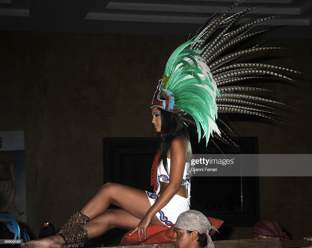 Cancun - Mexico - Election of Miss Spain 2009 - Patricia Rodríguez, Miss Spain 2008, with a typical costume of the Mexican Indians, open the gala for the election of Miss Spain 2009 : News Photo