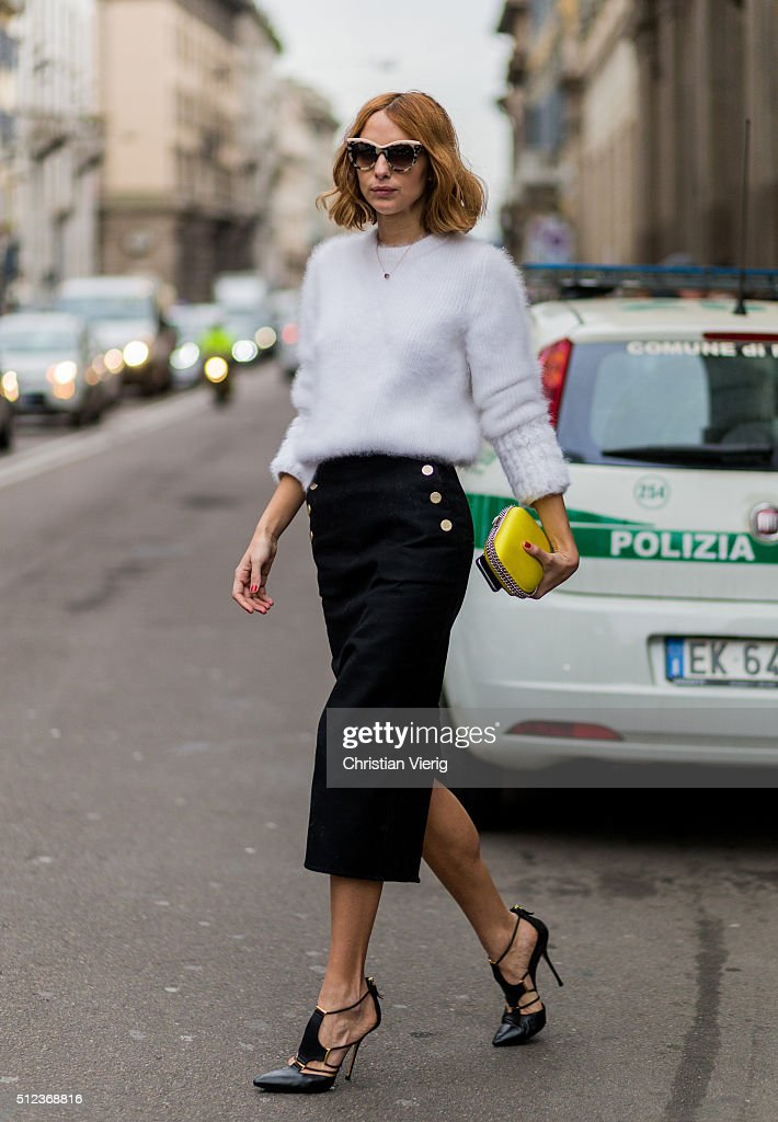 Street Style: February 25 - Milan Fashion Week Fall/Winter 2016/17 : Nachrichtenfoto