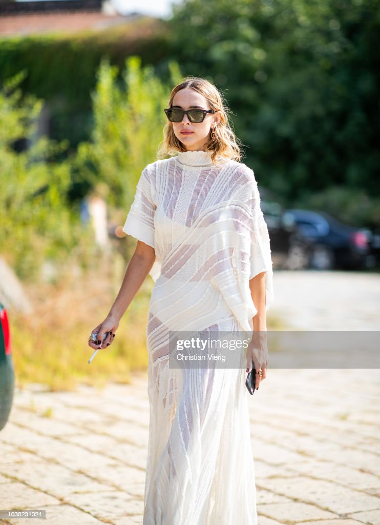 Street Style: September 22 - Milan Fashion Week Spring/Summer 2019 : Nachrichtenfoto