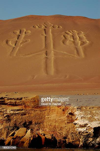 candelabra cliff - nazca lines stock pictures, royalty-free photos & images