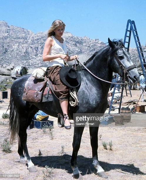 Candice Bergen during the filming of the movie 'The Hunting Party' directed by Don Medford Almeria Spain