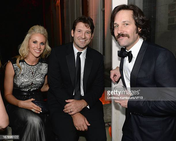 Candice Crawford Tony Romo and Paul Rudd attend the Bloomberg Vanity Fair cocktail reception following the 2013 WHCA Dinner at the residence of the...