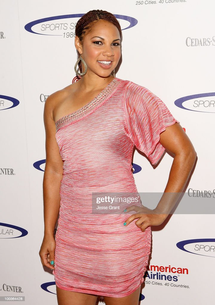 Candice Davis arrives at the 25th anniversary of Cedars-Sinai Sports Spectacular at the Hyatt Regency Century Plaza on May 23, 2010 in Century City, California.
