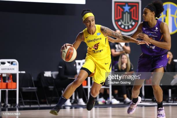 Candice Dupree of the Indiana Fever handles the ball against the Phoenix Mercury on September 3, 2020 at Feld Entertainment Center in Palmetto,...