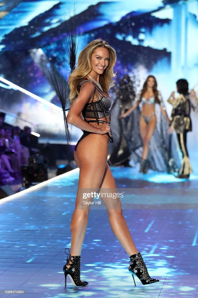 2018 Victoria's Secret Fashion Show - Runway : News Photo