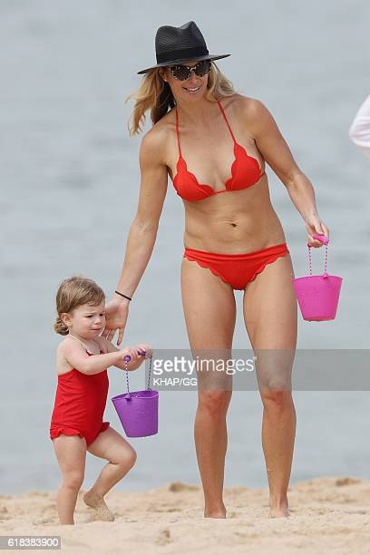 Candice Warner is seen with her daughters Indi and Ivy at the beach on October 10 2016 in Sydney Australia