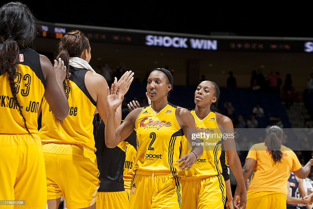 Connecticut Sun v Tulsa Shock : News Photo