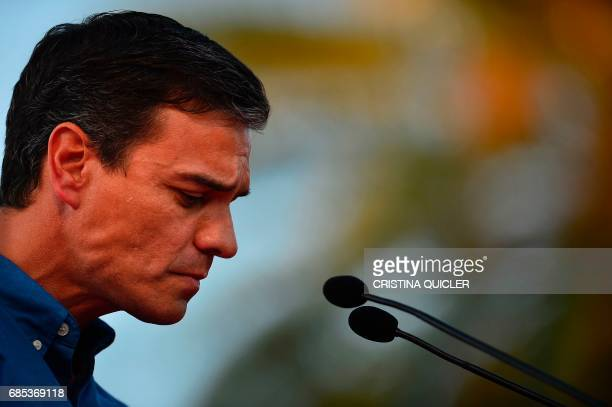 Candidate for Secretary General of the Spanish Socialist Party Pedro Sanchez takes part in a political meeting with supporters at the Muelle de la...