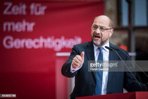 Candidate for the german chancellorship of the Social Democratic Party of Germany Martin Schulz speaks during a campaign rally on September 07 2017...