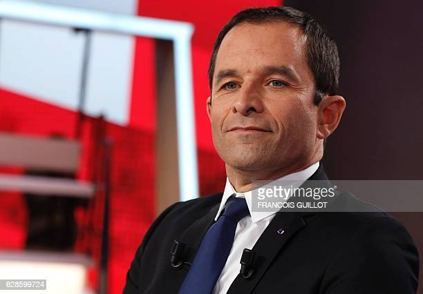Candidate for the leftwing primaries ahead of the 2017 presidential election Benoit Hamon arrives to take part in the show 'L'Emission politique' at...