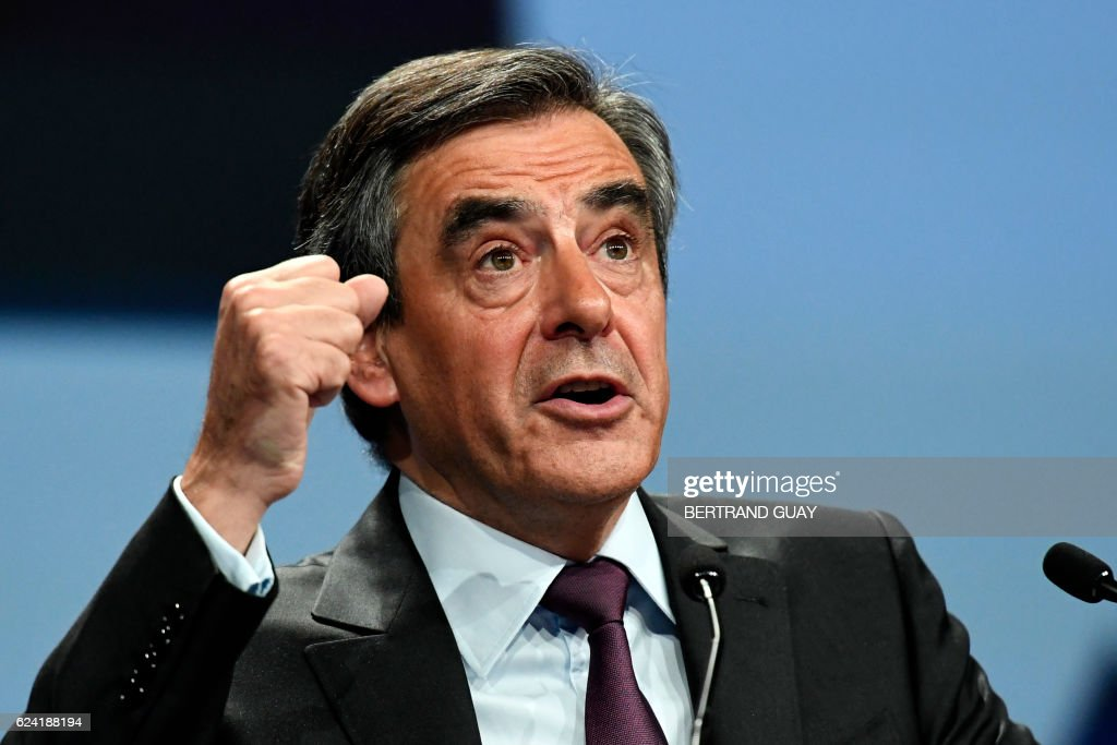FRANCE-VOTE-PRIMARIES-RIGHTWING-REPUBLICAINS : News Photo