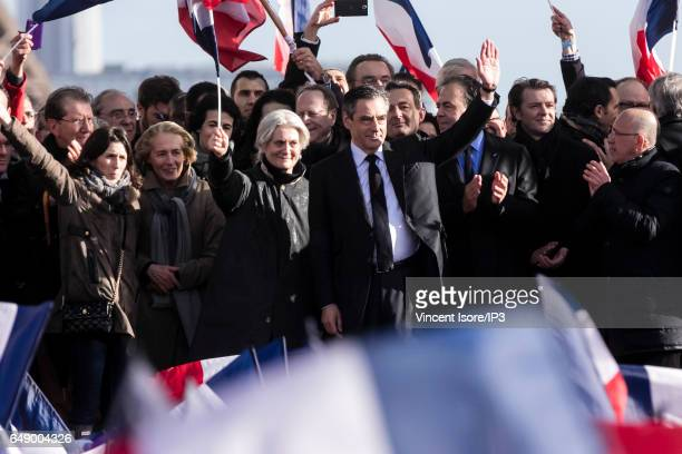 Candidate of Les Republicains right wing Party for the 2017 French Presidential Election Francois Fillon delivers a speech with his wife Penelope at...