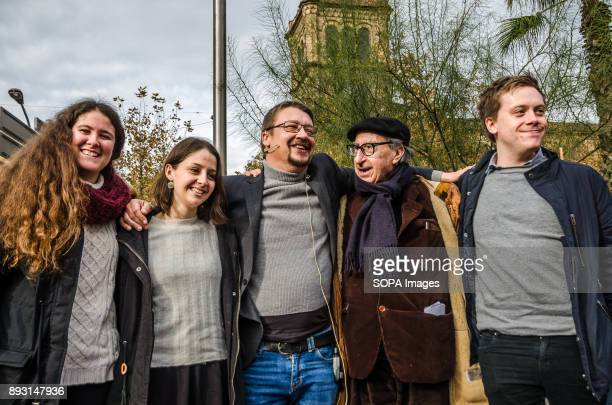 Candidates Cristina Bedmar Munsa Mompió Xavier Domènech Vicenç Navarro and Owen Jones for the Catalan regional elections 1O at the end of the...