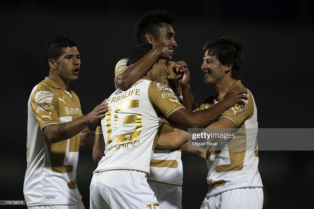 Pumas UNAM v Leones Negros - Copa MX : News Photo