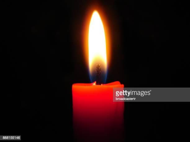 candle light - candle of hope stockfoto's en -beelden