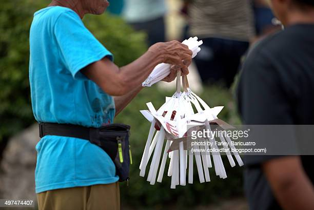 Candle vendor
