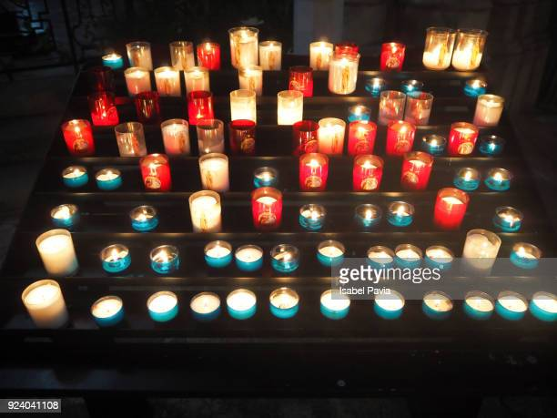 candles in church - candle of hope stock pictures, royalty-free photos & images