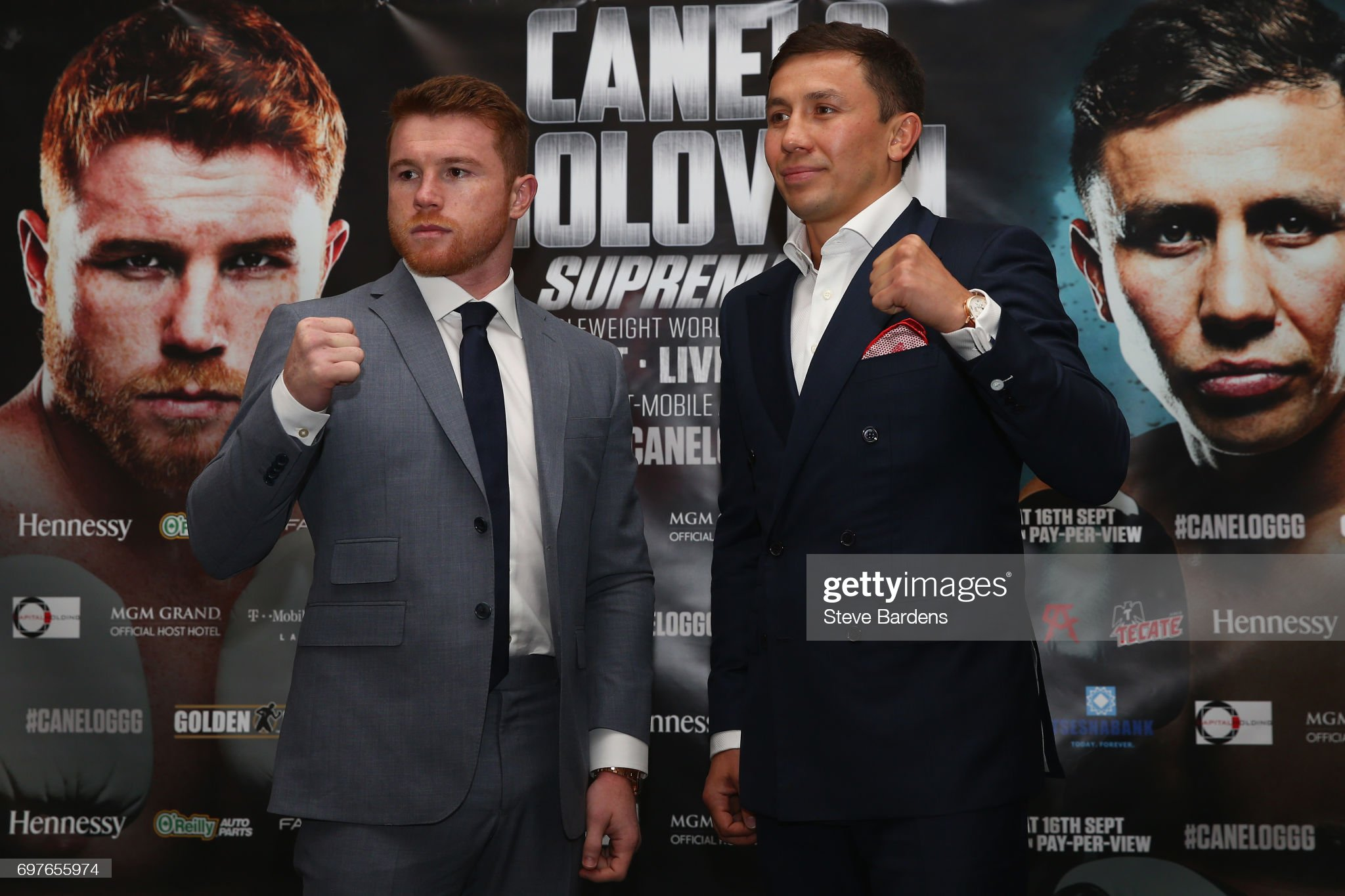 ¿Cuánto mide el Canelo Saúl Álvarez? - Altura - Real height Canelo-alvarez-and-gennady-golovkin-pose-up-after-the-canelo-alvarez-picture-id697655974?s=2048x2048