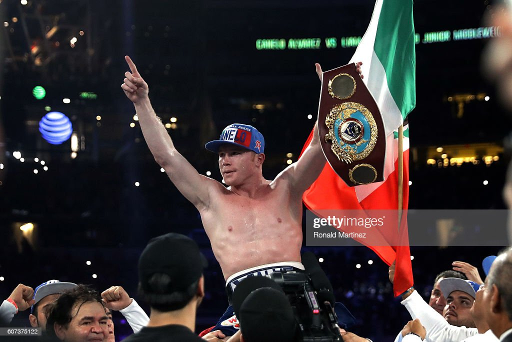 Canelo Alvarez v Liam Smith : ニュース写真