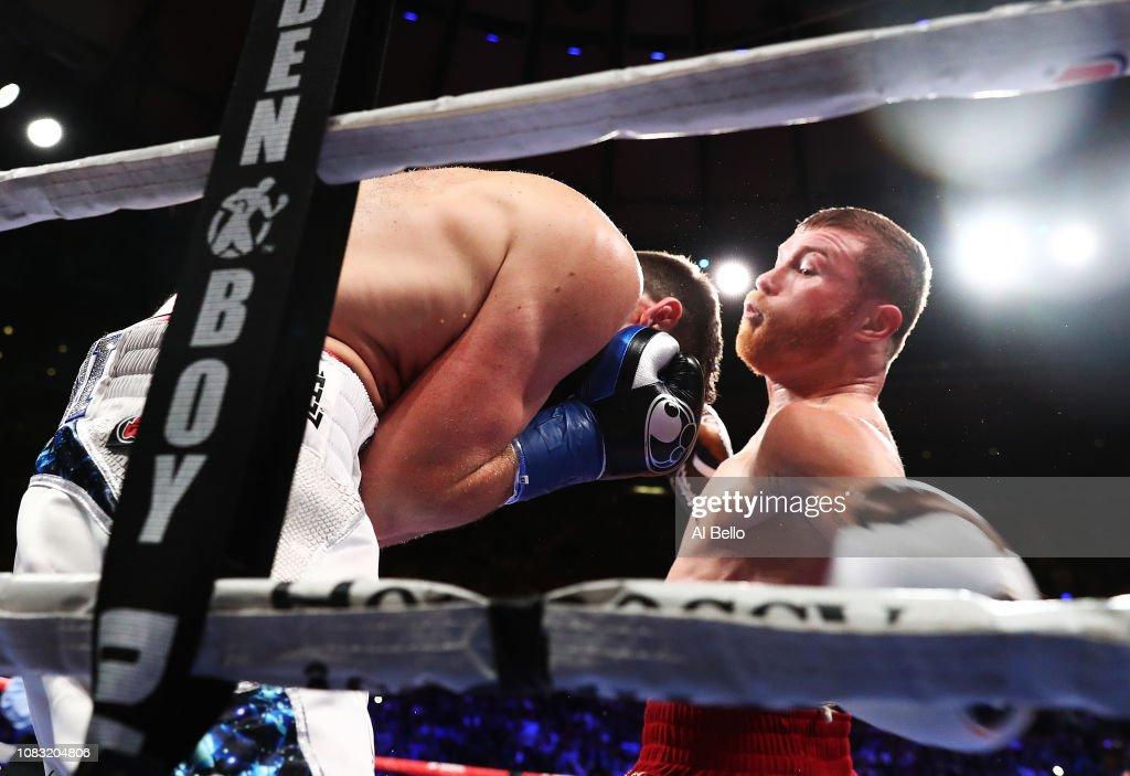 Canelo Alvarez v Rocky Fielding : ニュース写真