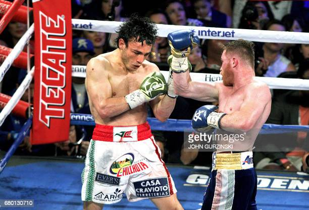 Canelo Alvarez goes on the offensive against Julio Cesar Chavez Jr on May 6 2017 at the TMobile Arena in Las Vegas Nevada Saul 'Canelo' Alvarez...